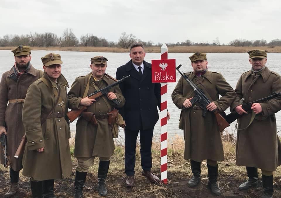 wbicia Słupa Granicznego w Czelinie